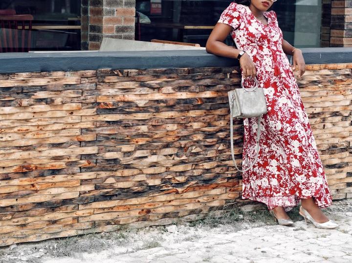 SheIn burgundy floral self tie split dress, maxi dress, how to style a maxi dress, SheIn, affordable fashion, fall colors, silver metallic shoe, metallic shoe, Zara basic, Zara